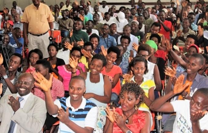 Les jeunes présents au centre jeune kamenge pour la célébration de la JMP 2017. Photo UNFPA Burundi/ Queen BM Nyeniteka